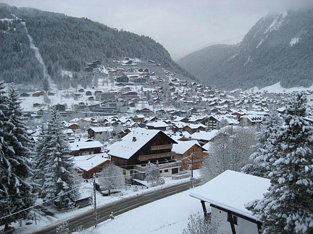 Zimní dovolená a lyžování v Abondance (Portes-du-Soleil, Francie, Švýcarsko)