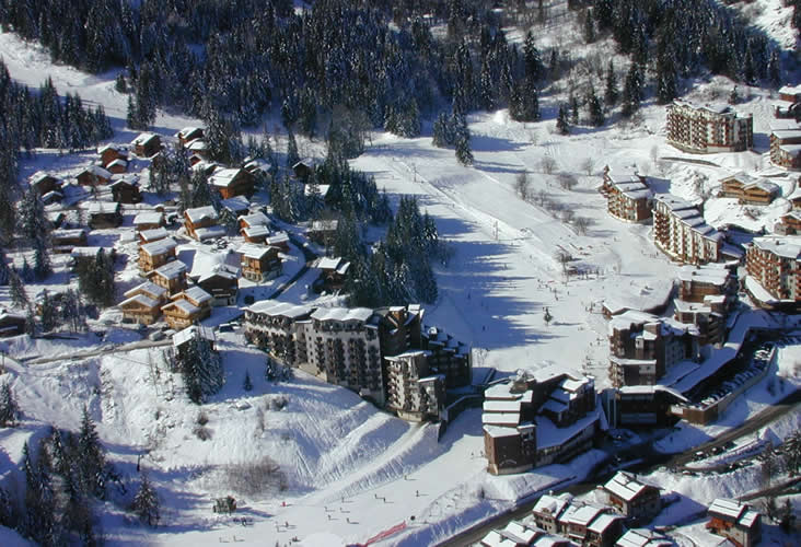 Zimní dovolená a lyžování La Tania (Francie, Tři údolí)