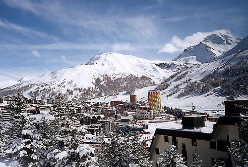 Lyžování a zimní dovolená v Via Lattea (Itálie, Francie)