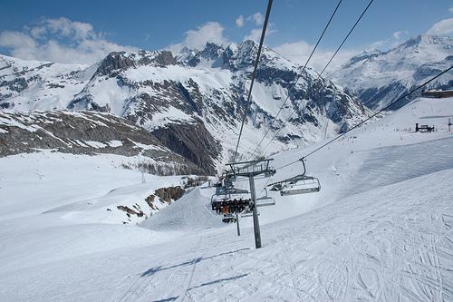 Hlavní výhody lyžování ve Francii: mnohem kvalitnější lyžařské areály